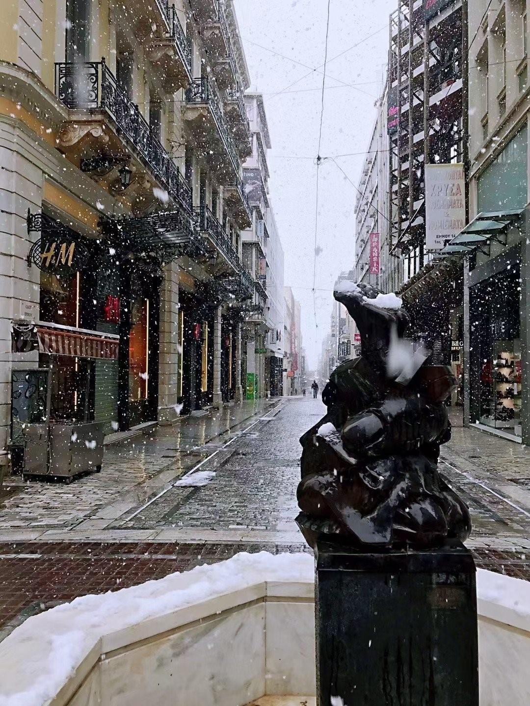 """""""Góc sống ảo"""" của các tín đồ nghiện mua sắm tại Athens"""