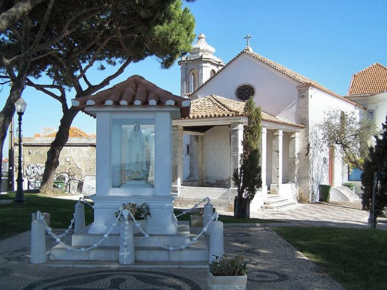 Nhà-nguyện-Nossa-Senhora-do-Monte-768x576